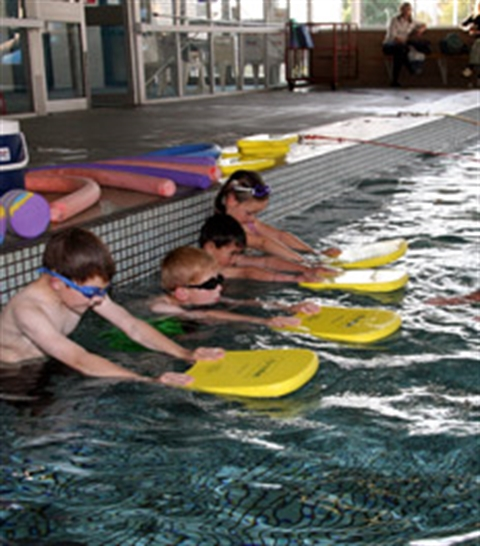 Children learning to Swim at the Stawell Leisure Centre